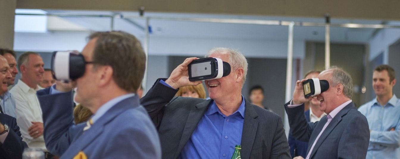 Virtual reality change management experience