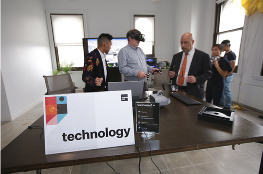 TechnologyExperiencing a VR walk-through with Insite VR and M Moser's office technology withLouie Gaspar and Frank Meng.