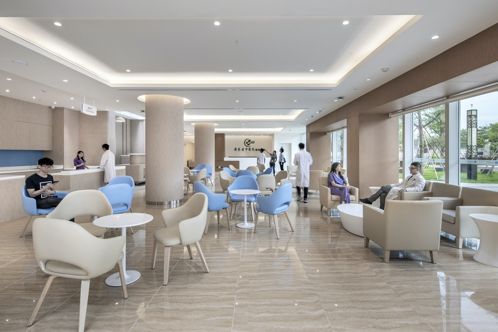 Image: uploads/2019_01/Gallery_UFH_6-723_Outpatient_Lobby_Seating_01.jpg