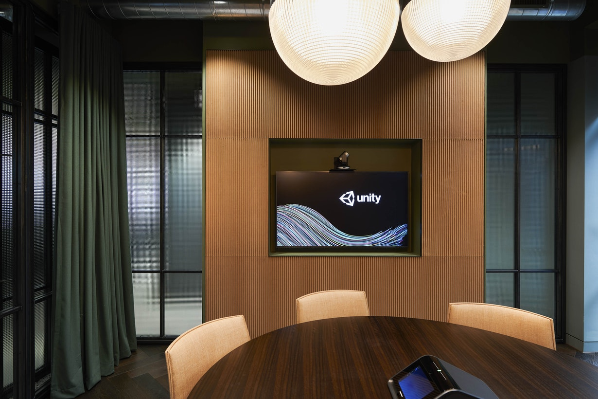 Creating an immersive workplace design to emphasise the digital experience section