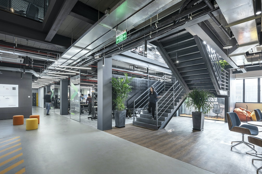 Image: uploads/2019_09/Accenture_3-2768_Staircase_08_r.jpg