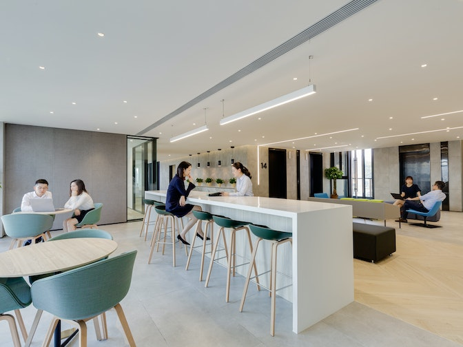 Image: uploads/2020_03/SPDB_Shenzhen-Workplace-Interior-Breakout-Area-03.jpg