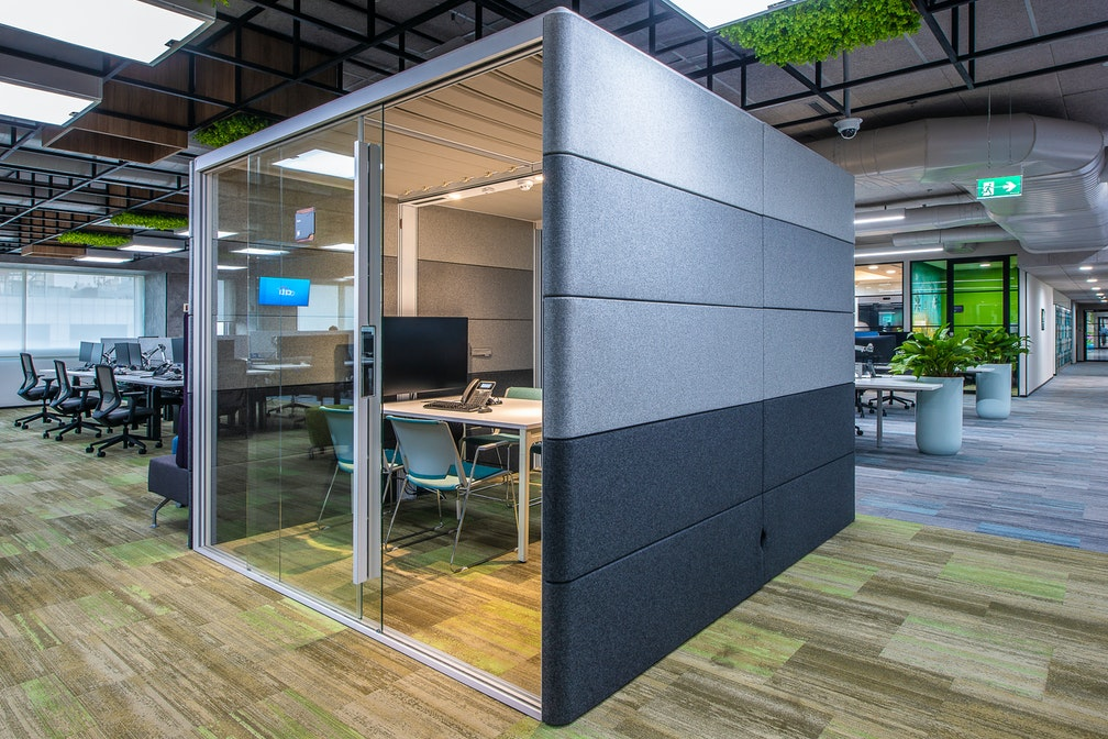 Image: uploads/2020_04/Citi_Workplace-of-the-Future_Chennai_Workplace-Interior-Demountable-Meet_JyZ53l6.jpg