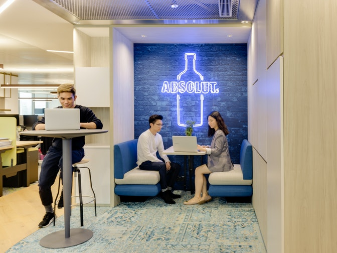 Image: uploads/2020_04/Pernod_Ricard_Hong_Kong-Workplace-Interior-Collaboration-01.jpg