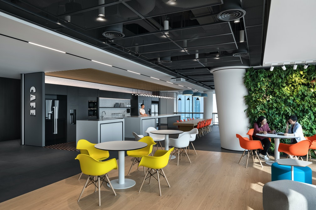Image: uploads/2020_05/Kai_Hua_Group_Guangzhou-Workplace-Interior-Breakout-02.jpg