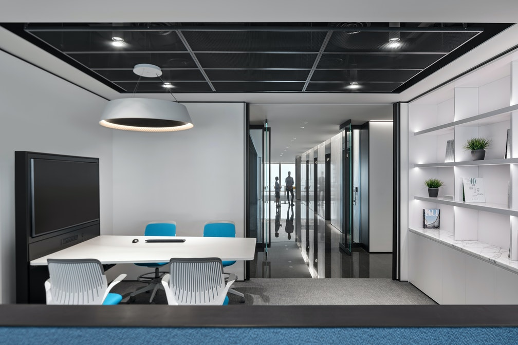 Image: uploads/2020_05/Kai_Hua_Group_Guangzhou-Workplace-Interior-Headquarters-Open-Collaboration-01.jpg