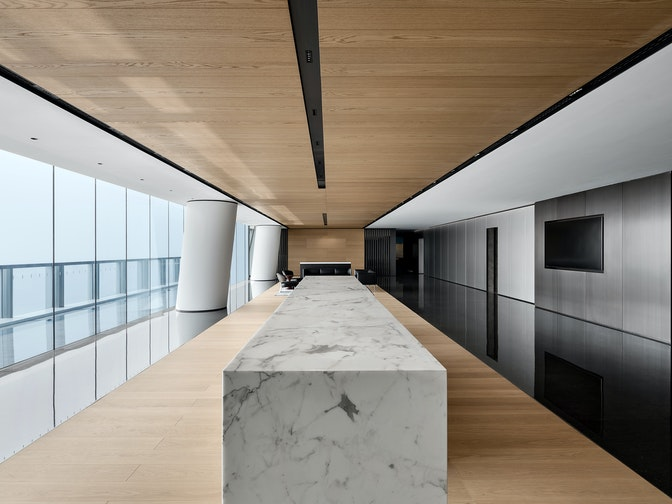 Image: uploads/2020_05/Kai_Hua_Group_Guangzhou-Workplace-Interior-Headquarters-Reception-02.jpg