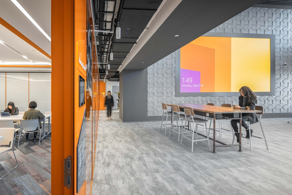 Image: uploads/2020_07/PWC_Play_Lab_Beijing_Workplace_Interior_Connectivity__Interaction_05_r.jpg