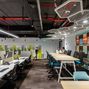 Image: uploads/2020_07/SCB-Bangalore-Workplace-InteriorDesign-Touchdown-01.jpg