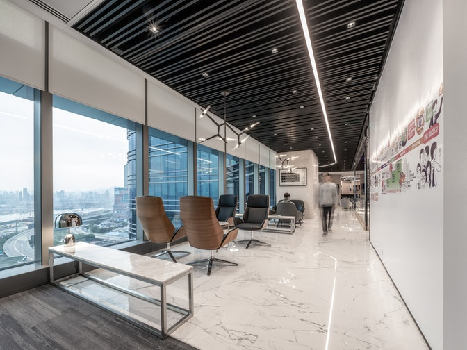 Image: uploads/2020_08/Link_Asset_Management-Hong_Kong-Workplace-Interior-Courtyard-Clients-01_k3HAXEL.jpg