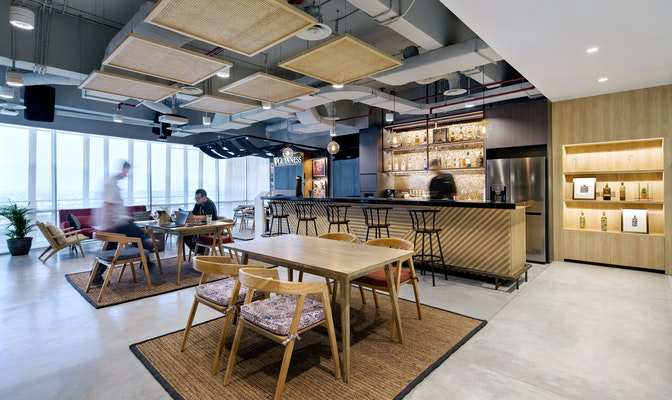 Image: uploads/2020_12/Diageo_Jakarta_Hong_Kong-Workplace_Interior-Bar_Pantry-1.jpg