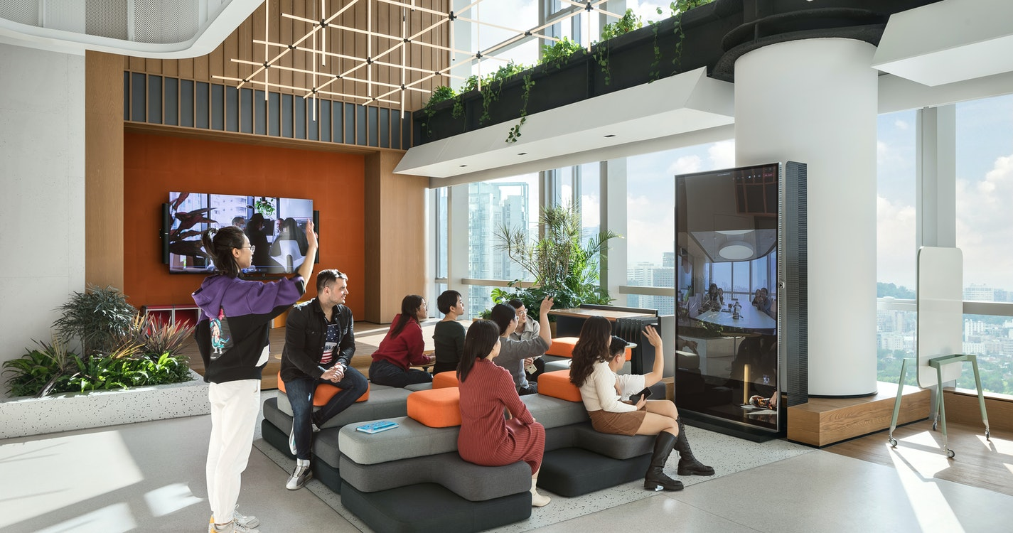 Image: uploads/2021_04/MMoser-Shenzhen-workplace-interior-open-space-1_We09fWy.jpg